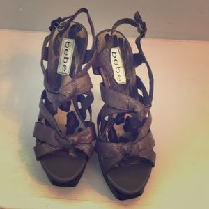 Bebe army green strapped heels
